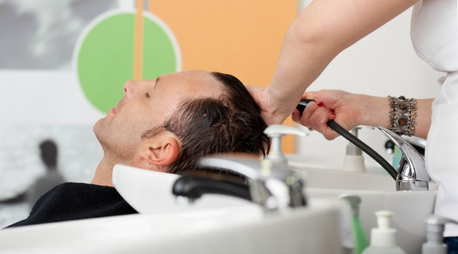 Hair washing injury man gets compensation